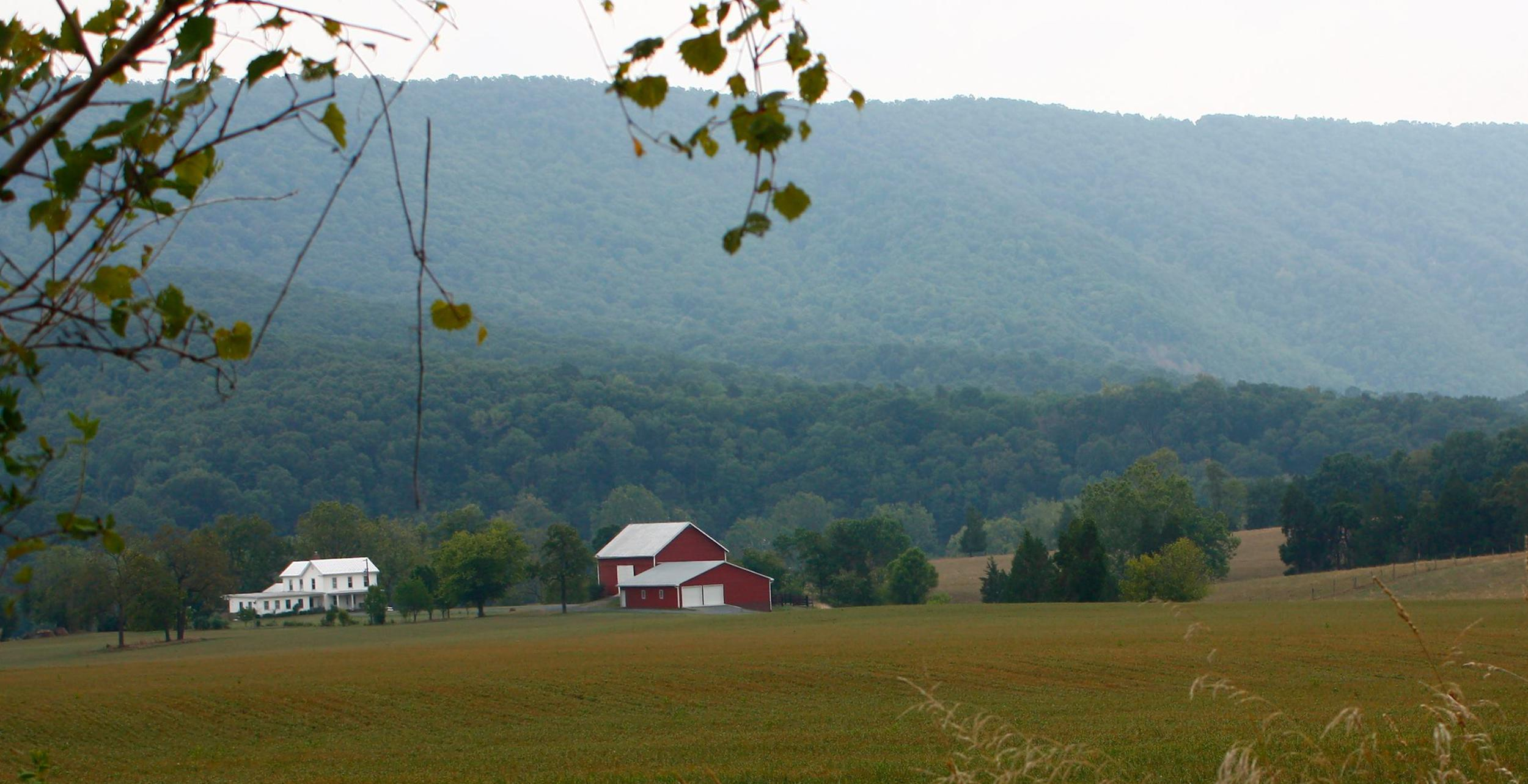 Shenandoah Valley Farm by the mountains